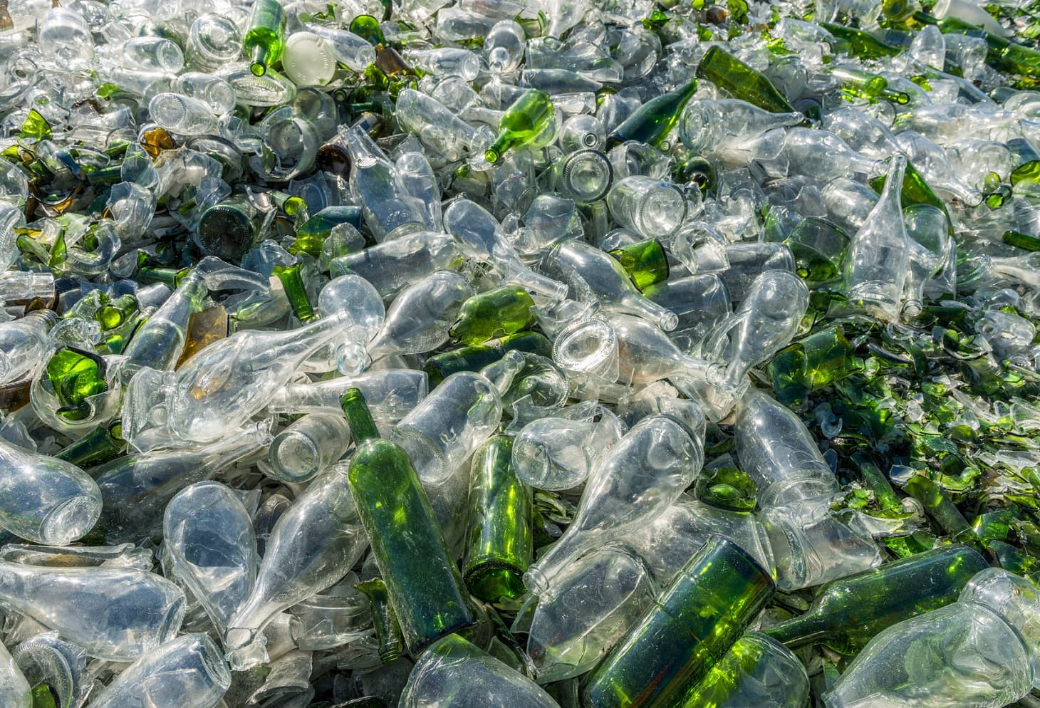 очень картинка стеклянная бутылка мусор светлый холл мягкими
